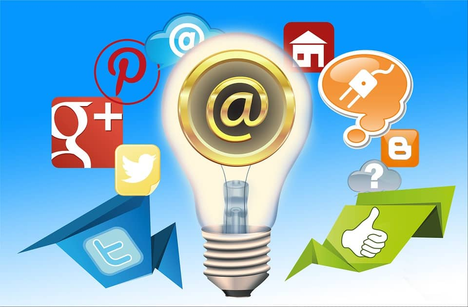 social media marketing,for businesses all icons are showing in colors