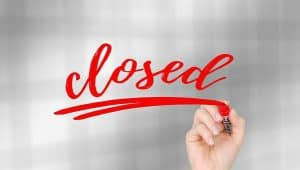 covid 19 business closure sign